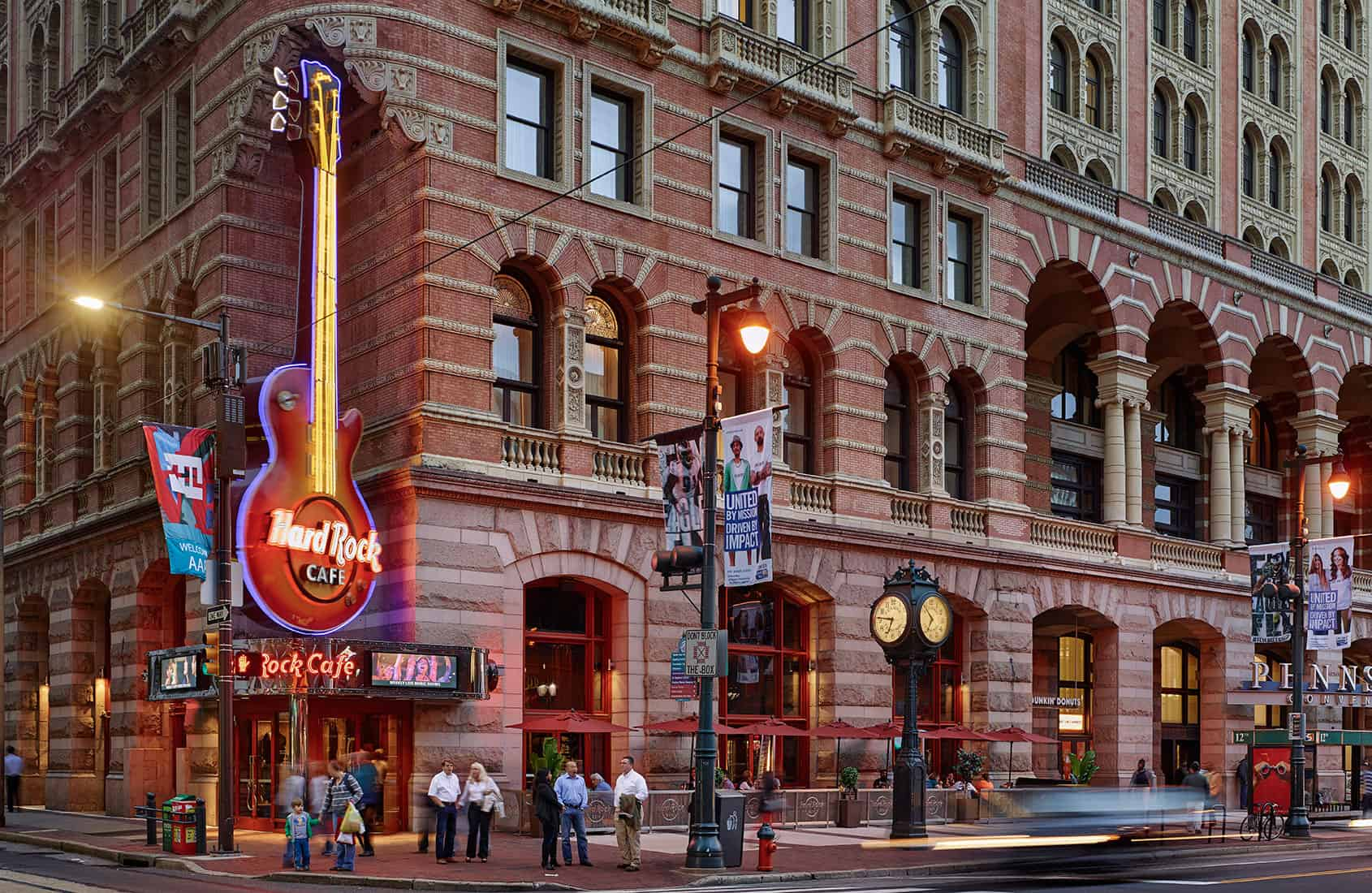 weakness of hard rock cafe Hard rock rewards members get the rock star treatment get the inside scoop on all things hard rock and earn awesome rewards at participating cafes, rock shops, and.